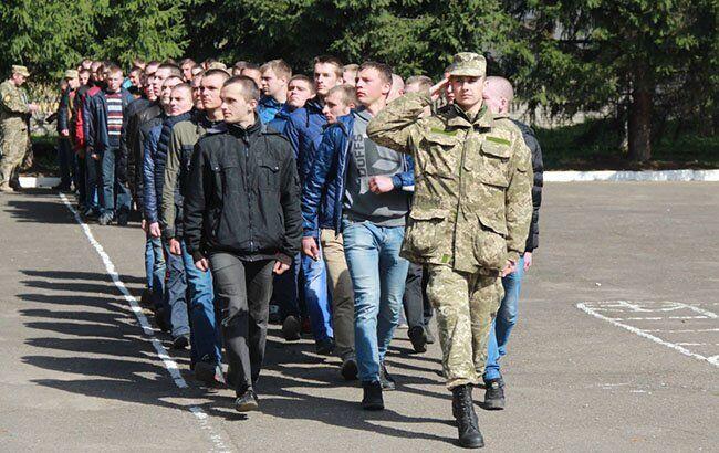 С октября в Украине начнется осенний призыв