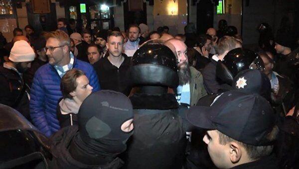 Во Львове будущих солдат ловили возле ночного клуба