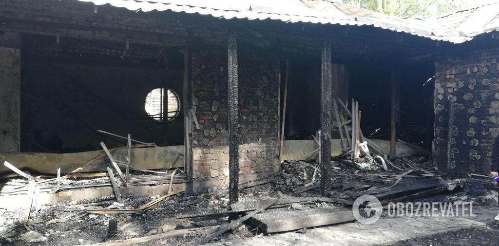 Пожежникам не вдалося врятувати будівлю