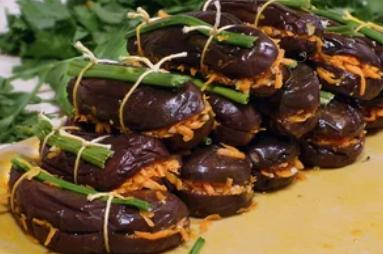 Рецепт вкуснейших квашеных баклажанов с морковью
