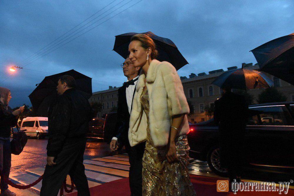 Гендиректор ВГТРК Антон Златопольский с супругой, телеведущей Дарьей Спиридоновой