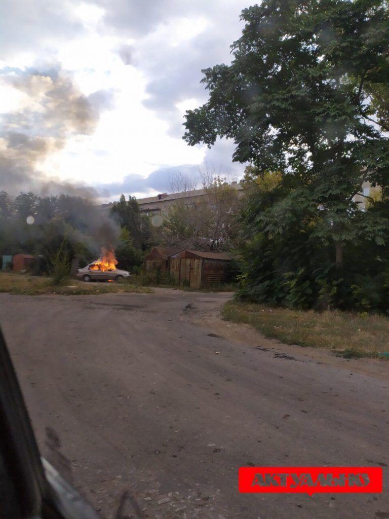 Поліцейські знайшли спалене авто, на якому міг втекти ймовірний вбивця