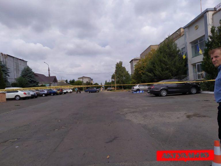 Кириллова вбили біля входу до селищної ради
