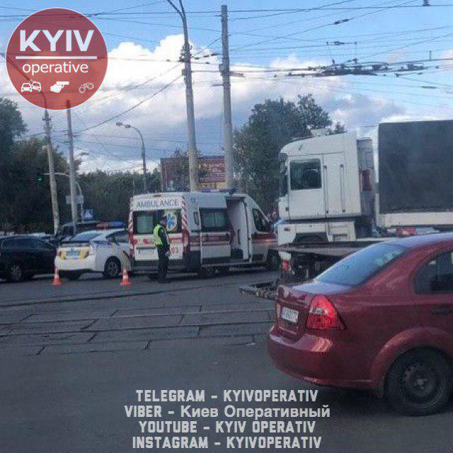 У Києві насмерть збили людину