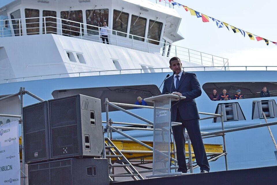 """Стадник поздравил """"Нибулон"""" с 140-метровым судном"""