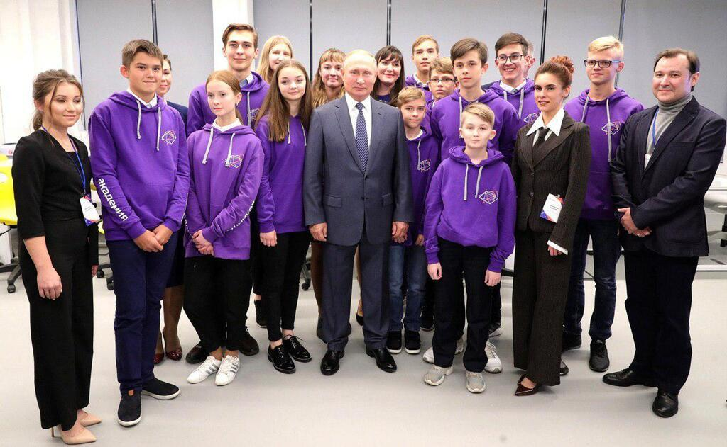 Владимир Путин на встрече в Ижевске