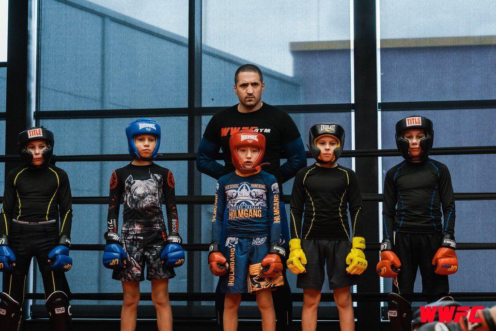 Бійці турніру WWFC 15 провели відкрите тренування в спортивному клубі WWFC GYM