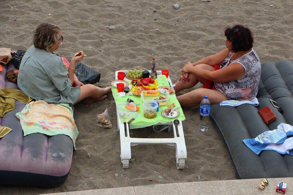 З'явилися показові фото пляжів Криму