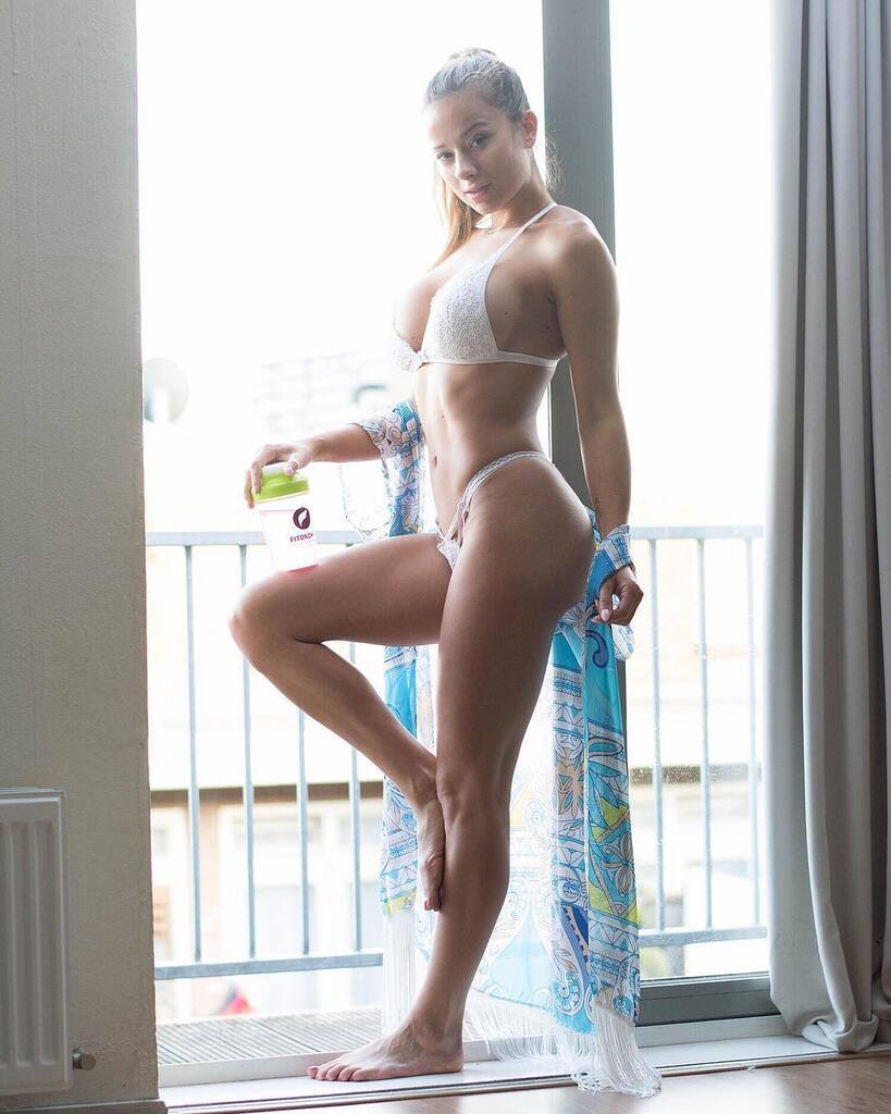 Сандра Пріккер