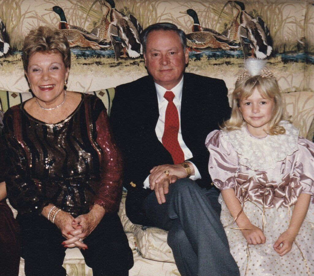 Пэрис Хилтон с семьей