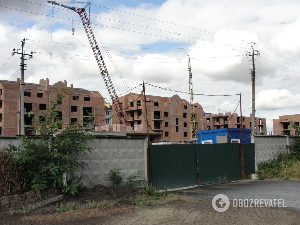 Строительство жилкомплекса в с. Гатное