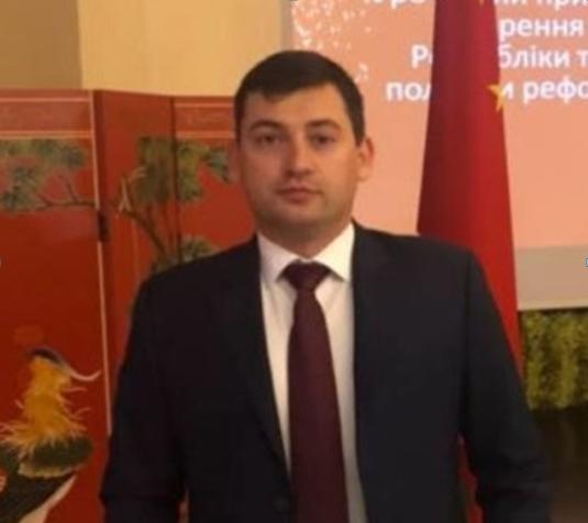 Чиновник налоговой Станислав Худар