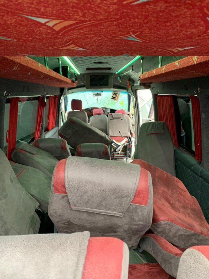 Сидіння в переобладнаних мікроавтобусах складаються від сильного удару