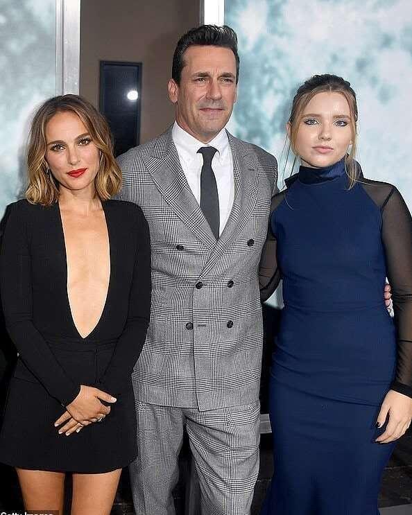 Наталі Портман з колегами по фільму на прем'єрі