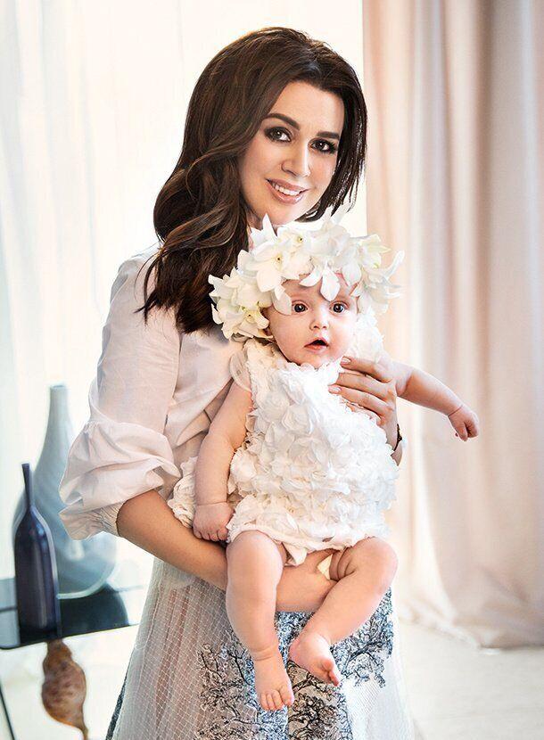 Анастасия Заворотнюк с дочерью Милой
