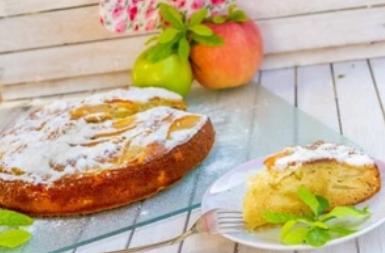 Рецепт вкуснейшей шарлотки с яблоками на кефире