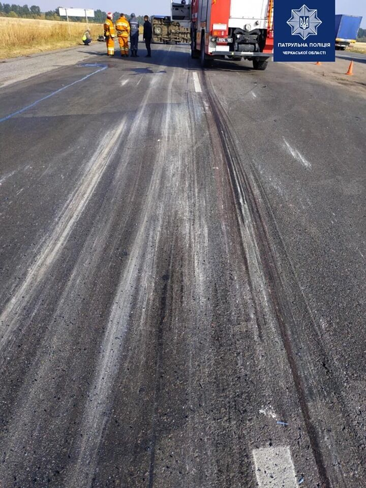 В Умани маршрутка столкнулась с грузовиком