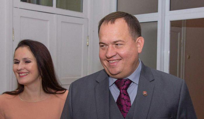 Алексей Муратов со спутницей