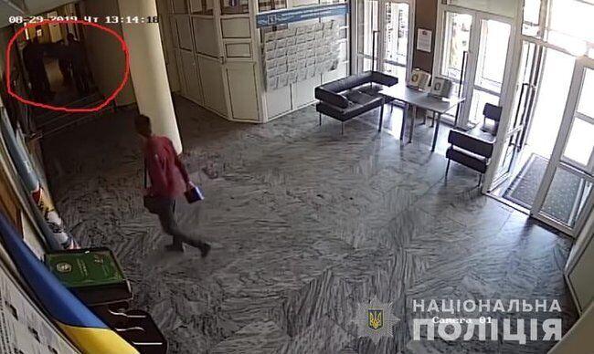 Кадр із відео з камери спостереження