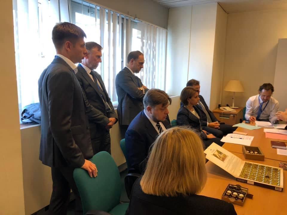 Переговоры украинских дипломатов с коллегами из разных стран