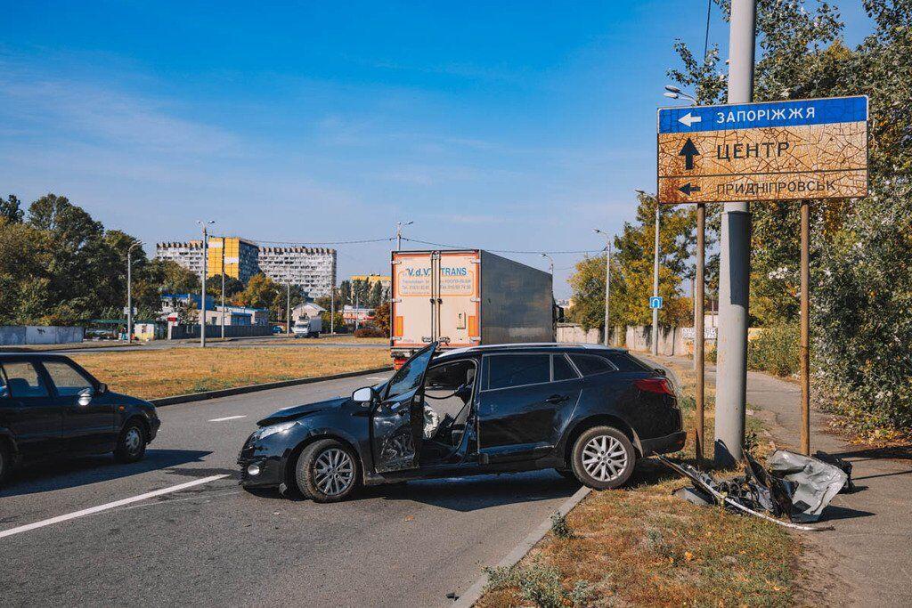 Авто превратилось в груду металла: в Днепре произошло ДТП