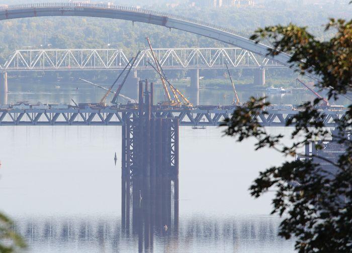 З'явилися фото довгоочікуваного мосту через Дніпро в Києві