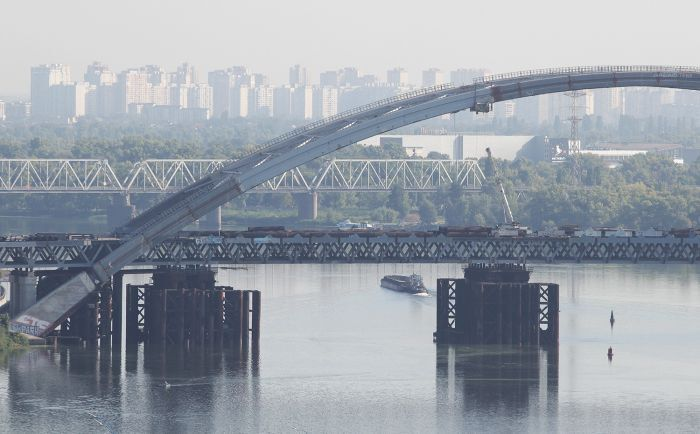 ЦТС опублікував нові фото Подільсько-Воскресенського мостового переходу в Києві