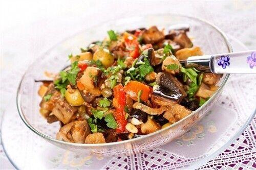 Салат з баклажанами