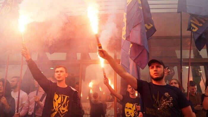 В Киеве устроили пикет из-за освобождения Цемаха