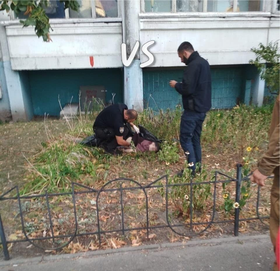 У Києві хлопець вистрибнув із 15 поверху