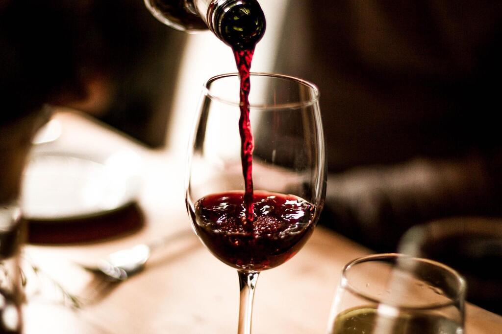 Названа польза красного вина