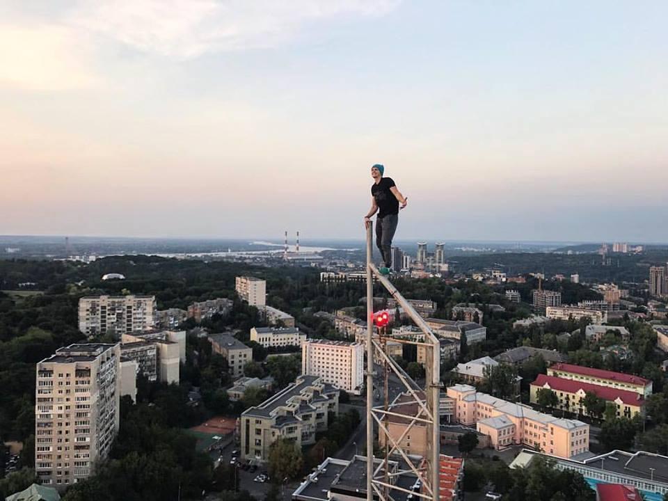 У Києві побили і пограбували відомого руфера Мустанга