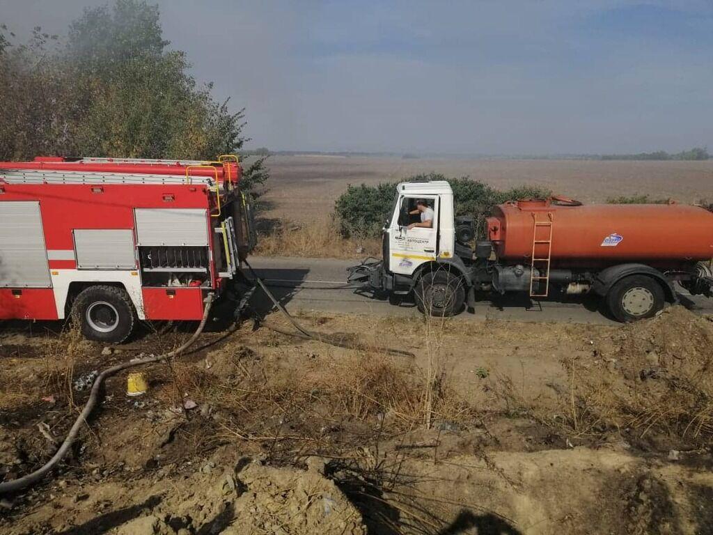 Вблизи села Триполье Обуховского района Киевской области возник пожар на территории свалки