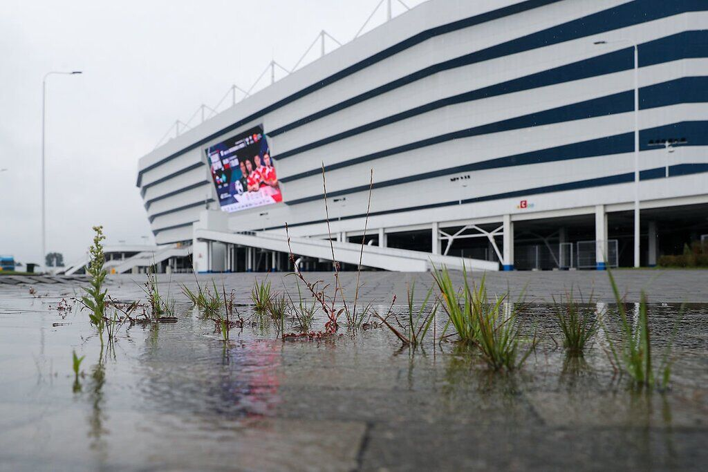 Стадіон ЧС-2018 тоне в болоті: росіяни знайшли винних