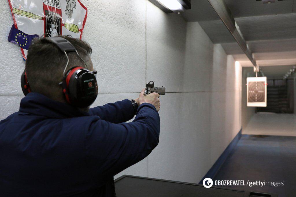 У ''Слузі народу'' планують легалізувати зброю: кому продадуть