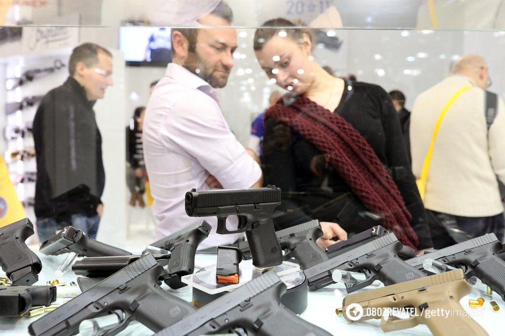 В ''Слуге народа'' планируют легализовать оружие: кому продадут