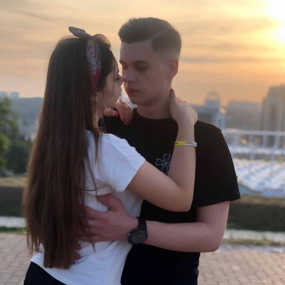 Звільнений з полону одеський моряк одружився