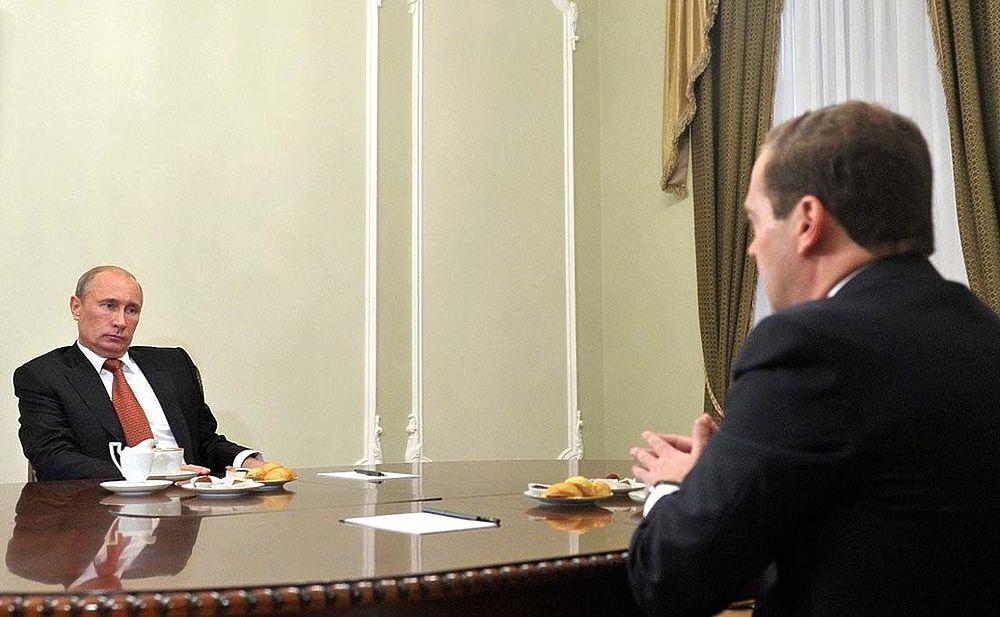 Робоча зустріч із головою уряду Дмитром Медведєвим. 2012 р.