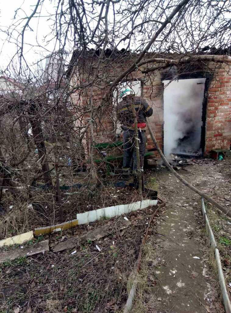 На пожежі рятувальники знайшли обгоріле тіло чоловіка
