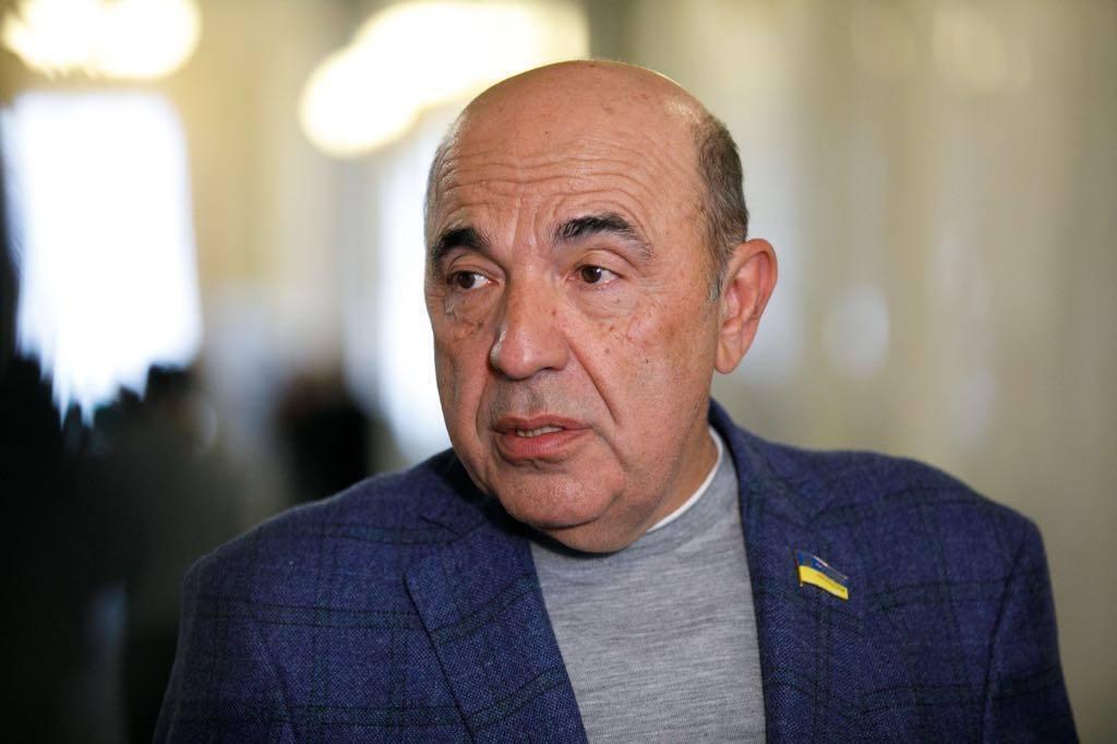 Рабінович стверджує, що влада має намір продати Україну