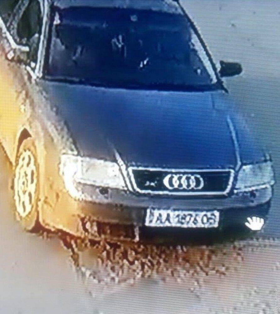 Грабители скрылись на автомобиле Audi