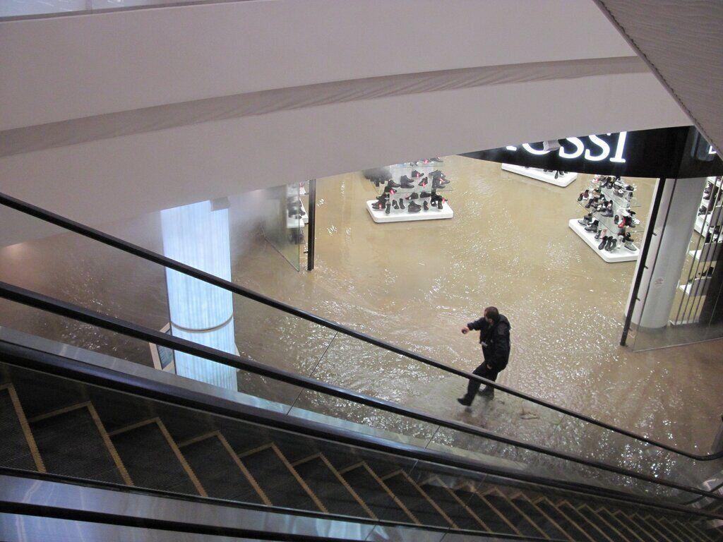 ЧП в Ocean Plaza: кого могут наказать за ошпаренных кипятком