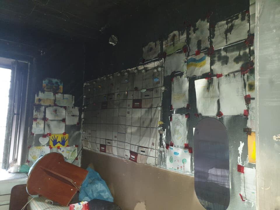 Пожар уничтожил базу волонтеров ООС