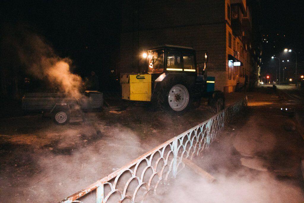 У Києві прорвало ще одну трубу: окріп залив усю вулицю