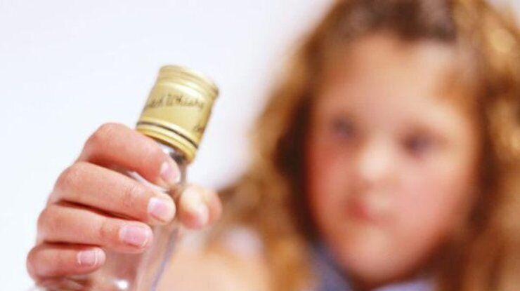 На Одещині 10-річна дівчинка впала в алкогольну кому