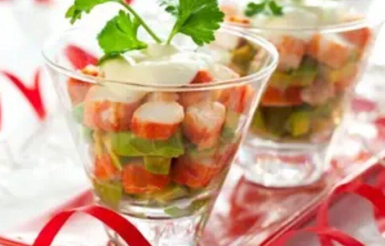 Рецепт простого і дуже смачного салату з крабовими паличками
