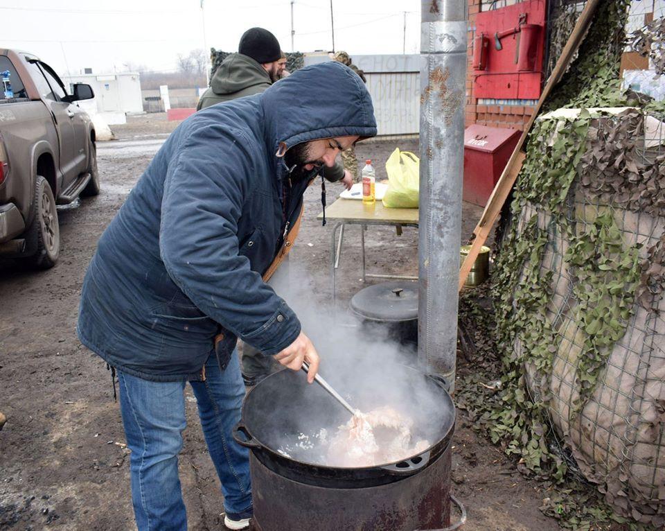 Латвійські капелани приготували для українських бійців рагу Болоньєзе