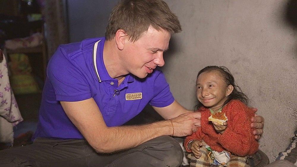 Умер самый маленький человек в мире: фото