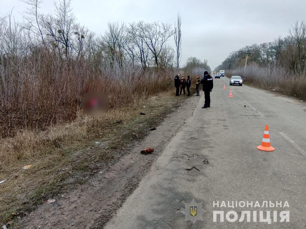 Под Харьковом водитель устроил смертельное ДТП и скрылся