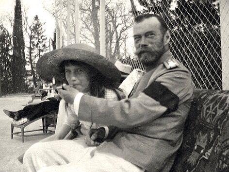 Фото Николая II и его дочери, которое опубликовал Панин
